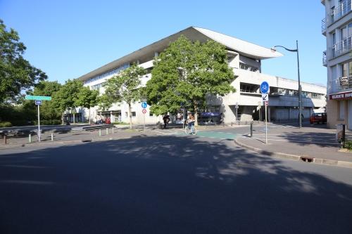 IMG 9741 façade lycée1